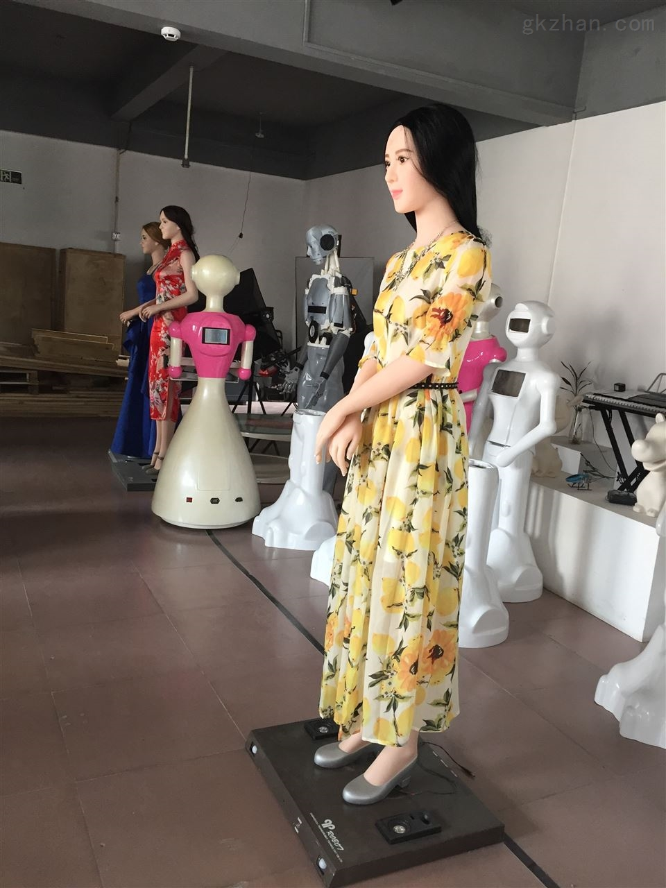 仿真美女机器人