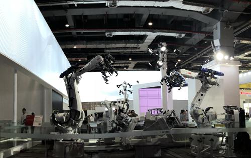 ABB全新倒裝SCARA機器人大幅提升柔性
